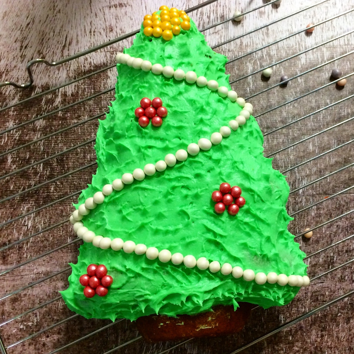 Spiced Christmas Tree Cake