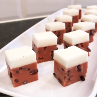 Coconut and Red Bean Pudding (椰汁紅豆糕)